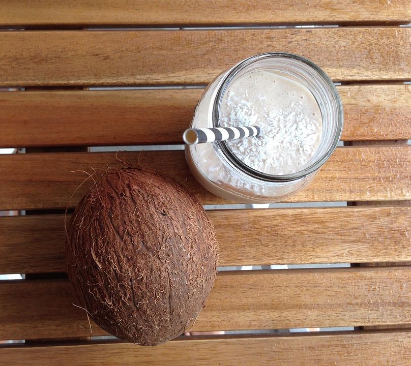 kokosnuss-und-milch-smoothie